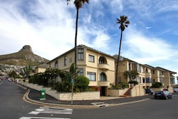 Huge Cape Town Holiday Apartments - Seaside Queen