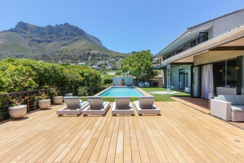 7365626ac83 ... holidays and relaxed getaways in Cape Town. Cape Villa Collection  offers the following luxury holiday accommodation and self catering  Llandudno villas